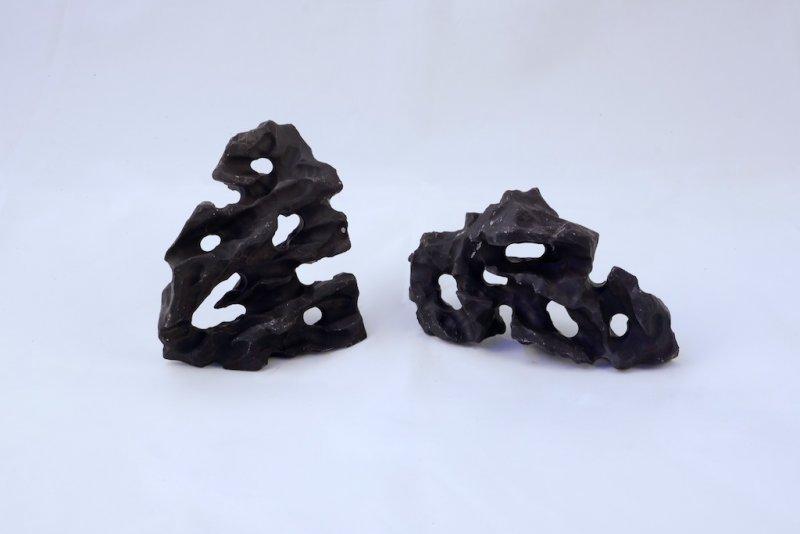 Nano - Lochstein, schwarz , 0,3-0,7 kg, handgemacht